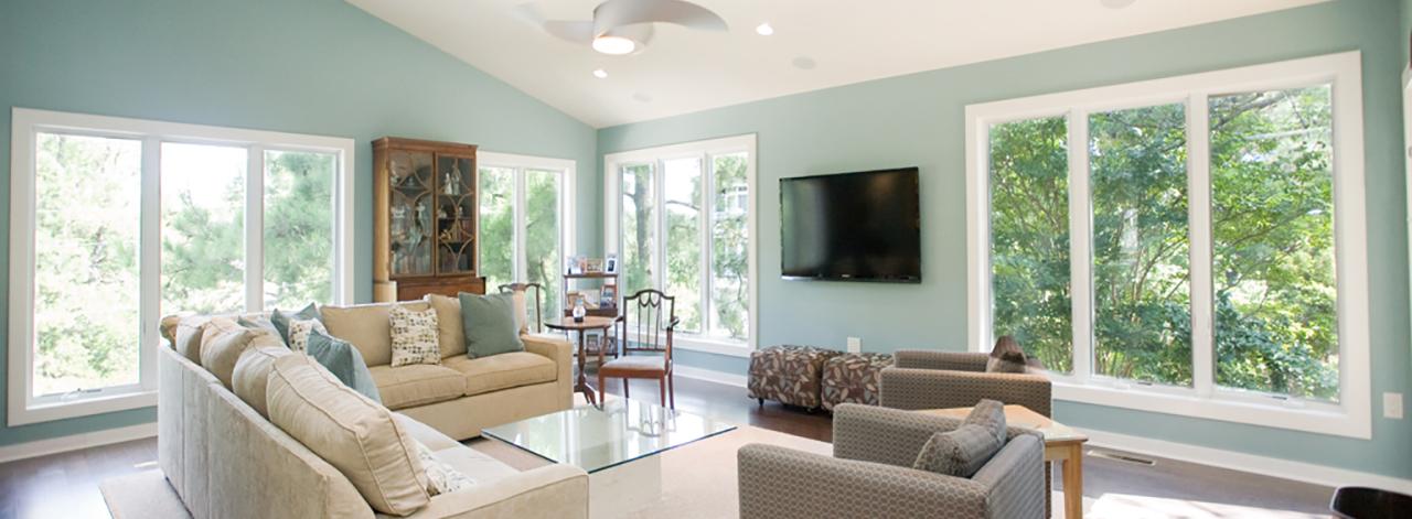 Simon Living Room.jpg