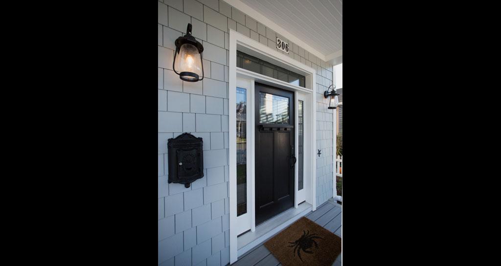 1.1 Porch - Front Door - 306 Laurel.jpg