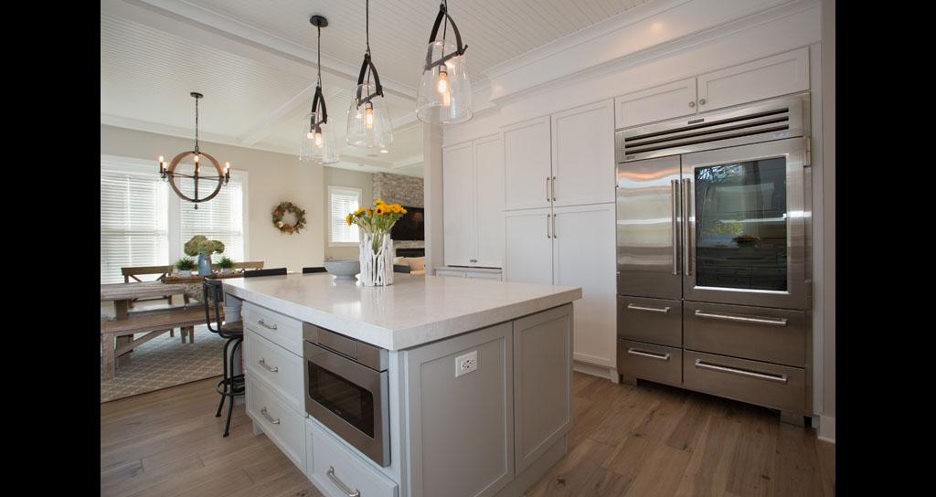 3 Kitchen Fridge - 306 Laurel.jpg